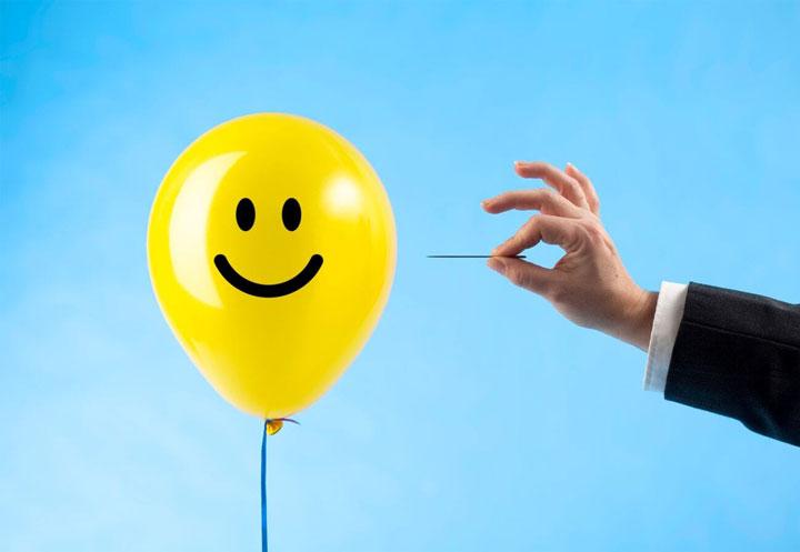 مثبت گرایی سمی چیست؟ نشانهها، آسیبها و روش مواجهه با آن