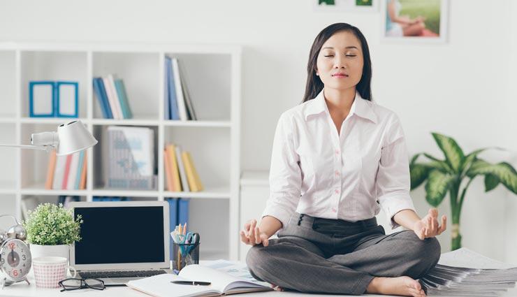 غلبه بر استرس با ۵ حرکت ساده یوگا